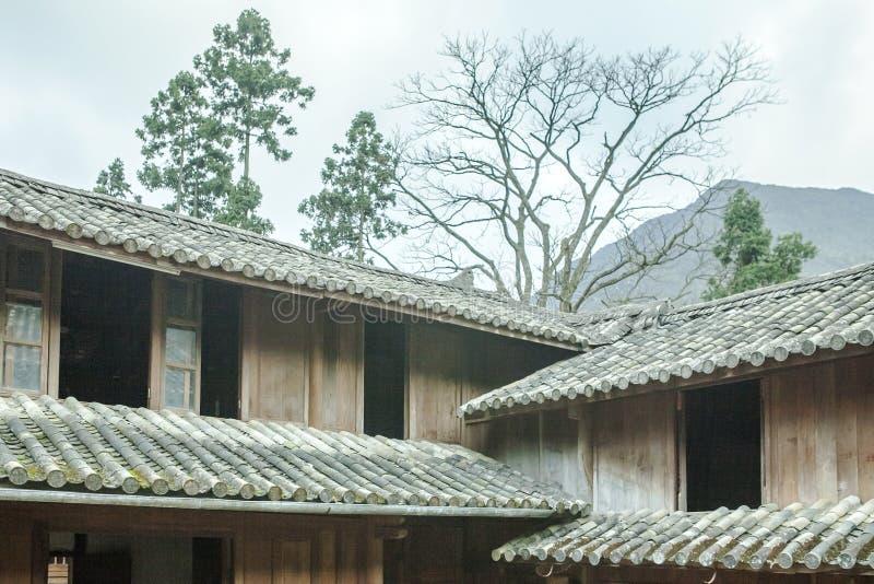 Case di legno di bella architettura, palazzo della Camera di Vuong fotografia stock libera da diritti