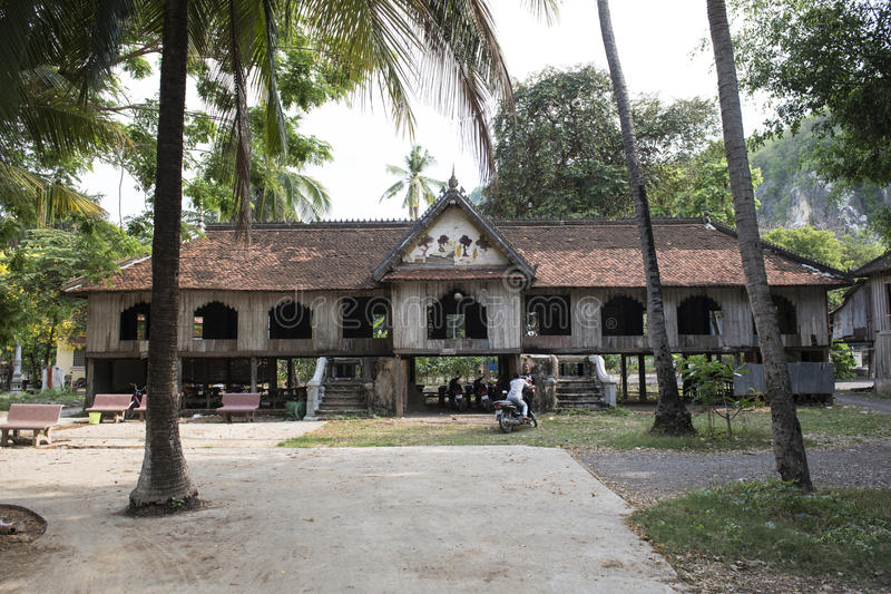 Case di legno tradizionali cambogiane Battambang, Cambogia immagine stock