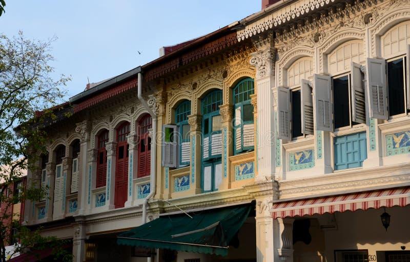 Case di progettazione di architettura di Peranakan e finestre Joo Chiat Singapore fotografia stock libera da diritti