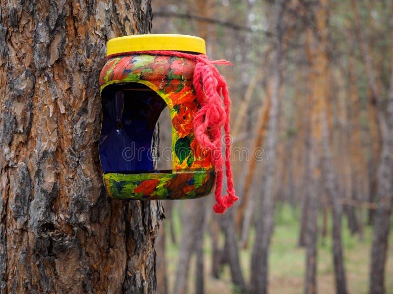 Case di ripiego per gli uccelli nel parco immagine stock libera da diritti