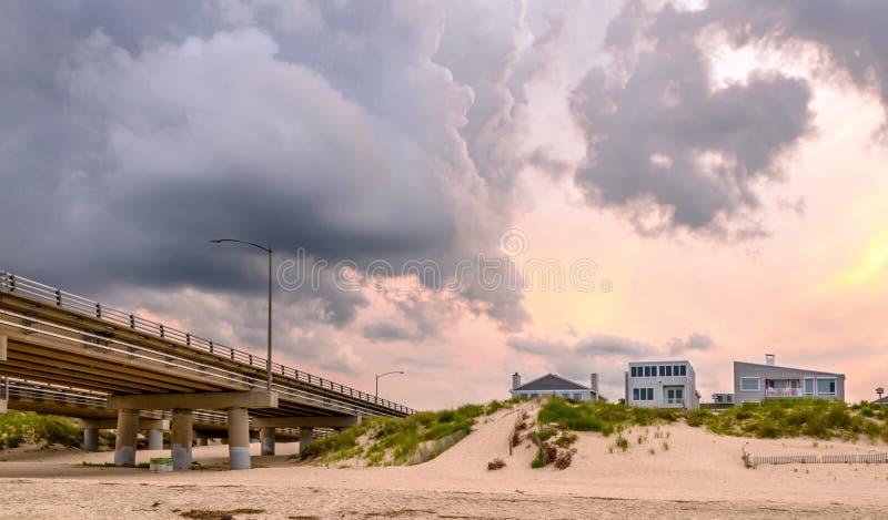 Case di spiaggia sulla baia di Chesapeake fotografia stock