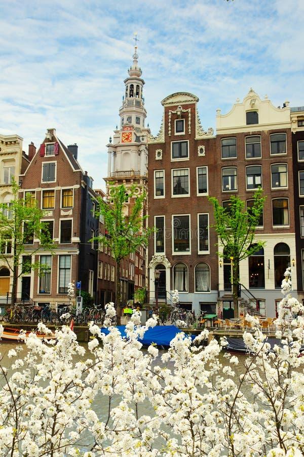 Case medioevali di Amsterdam, Paesi Bassi fotografie stock