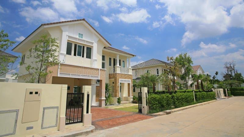 Case moderne di lusso immagine stock immagine di for Case moderne lusso