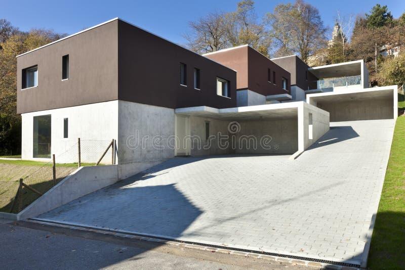 Case moderne esterne fotografia stock immagine di giorno for Foto case moderne