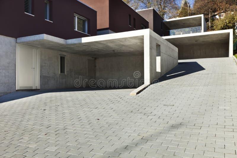 Case moderne, garage immagine stock