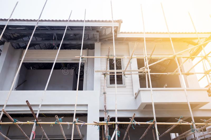 Case recentemente sviluppate in una proprietà residenziale in Tailandia fotografia stock libera da diritti