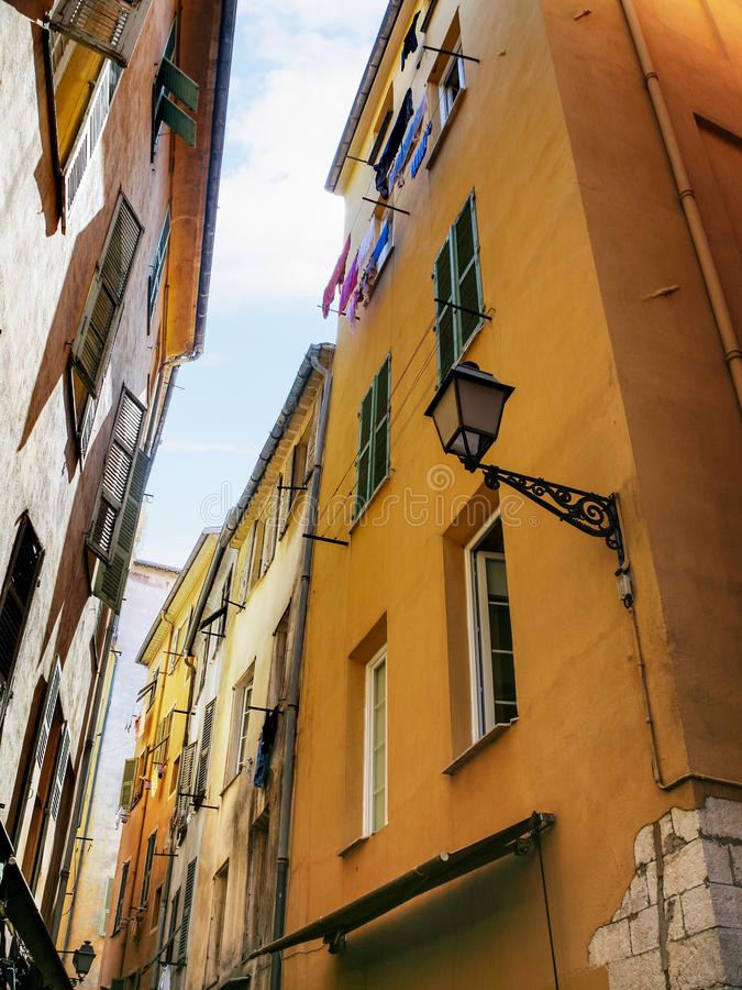 case residenziali in vecchia città di Nizza immagine stock