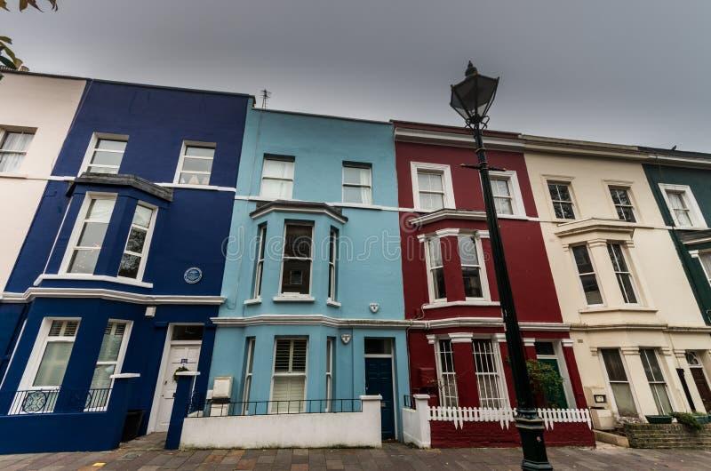 Case tipiche in strada di Portobello fotografia stock