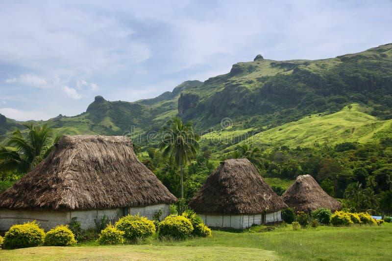 Case tradizionali del villaggio di Navala, Viti Levu, Figi immagini stock