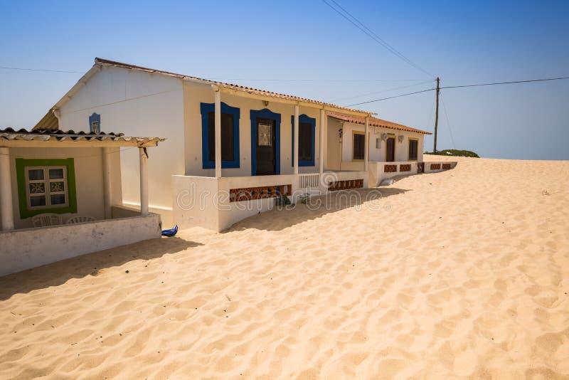 Case tradizionali di algarve nel paesino di pescatori di for Case tradizionali
