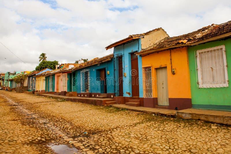Case tradizionali variopinte nella città coloniale di Trinidad, Cu immagini stock libere da diritti