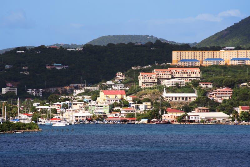 Case tropicali sulla collina fotografia stock