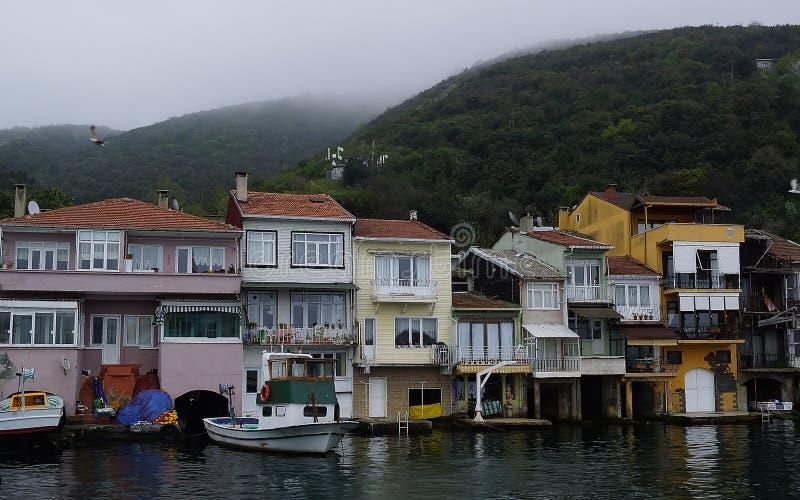 Case turche allo stretto di Bosphorus immagine stock libera da diritti