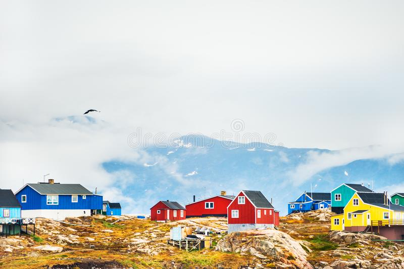 Case variopinte in Groenlandia occidentale immagini stock libere da diritti