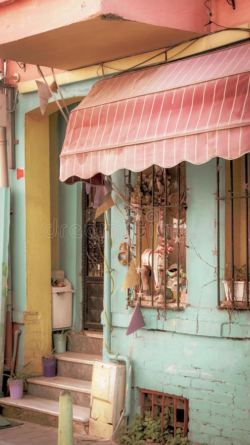 Case variopinte nel distretto di Balat di Fatih fotografie stock libere da diritti