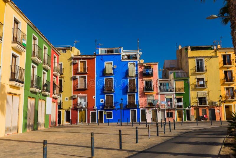 Case variopinte in villaggio di Villajoyosa, Costa Blanca, Spagna fotografia stock