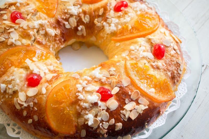 ` Caseiro de Roscon de Reyes do ` imagens de stock royalty free