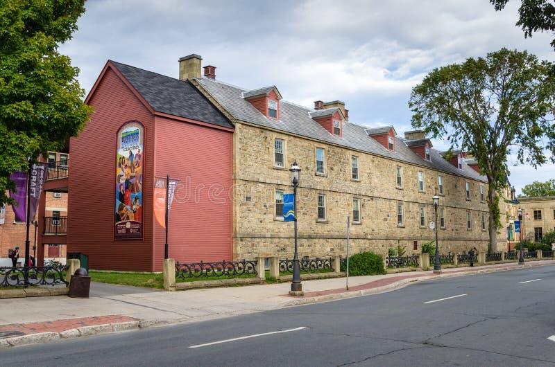 Casernas velhas renovadas da pedra em Fredericton, N.B., Canadá fotos de stock royalty free