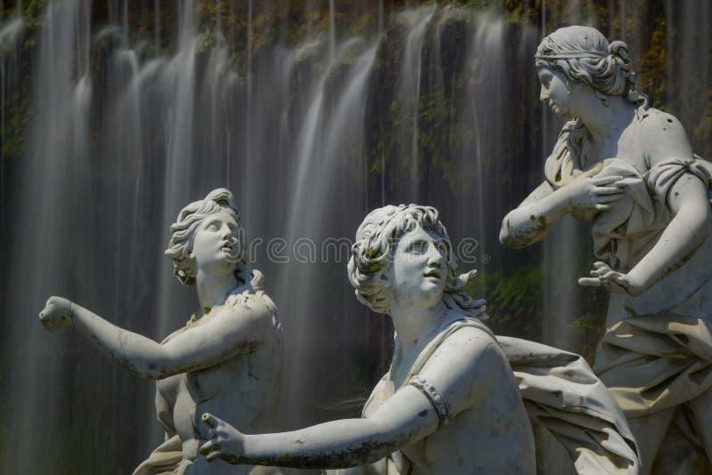 Download Caserta Royal Palace, Estatua En Gran Cascada Imagen de archivo - Imagen de ninfas, diseño: 41909737