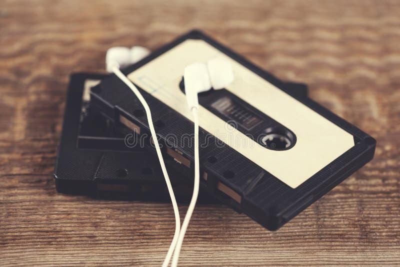 Casetes con el auricular imágenes de archivo libres de regalías