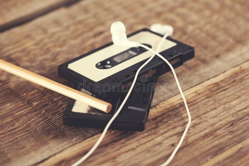 Casetes con el auricular fotografía de archivo libre de regalías