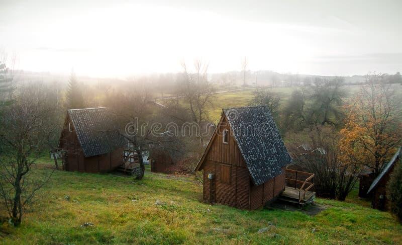 Casette di legno in una foresta fotografia stock libera da diritti