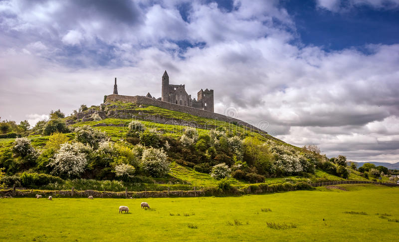 Cashel,爱尔兰岩石  图库摄影