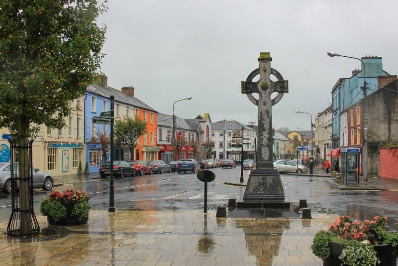 Cashel, Irlanda, o 31 de outubro de 2014: Centro de cidade em Cashel, condado Tipperary, Irlanda imagens de stock royalty free