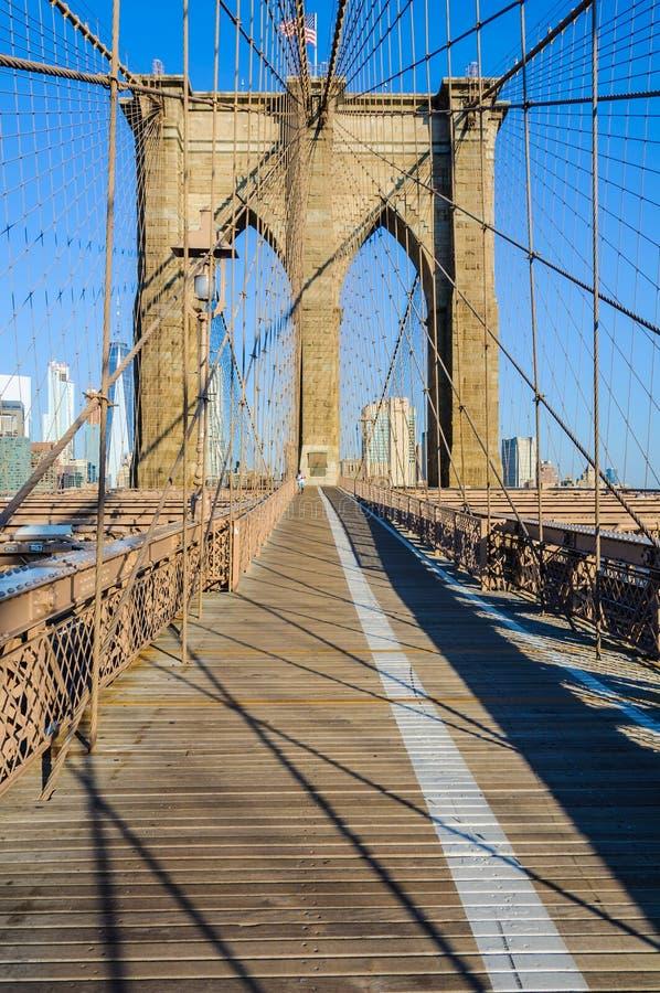 Casi solamente en el puente de Brooklyn, Nueva York, los E.E.U.U. imagen de archivo