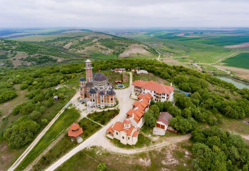 Casianklooster dichtbij Constanta in Dobrogea Roemenië wordt bekeken dat van royalty-vrije stock fotografie