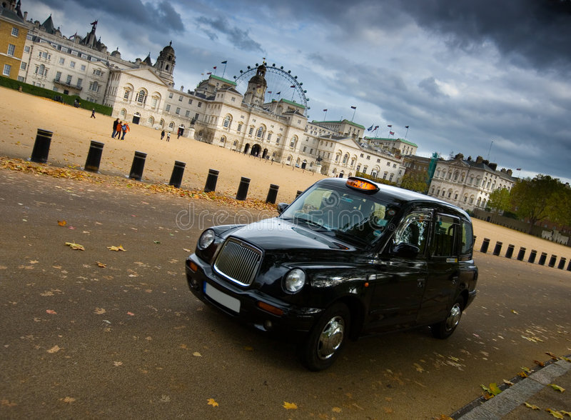 Casilla de taxi negra en Londres imagen de archivo