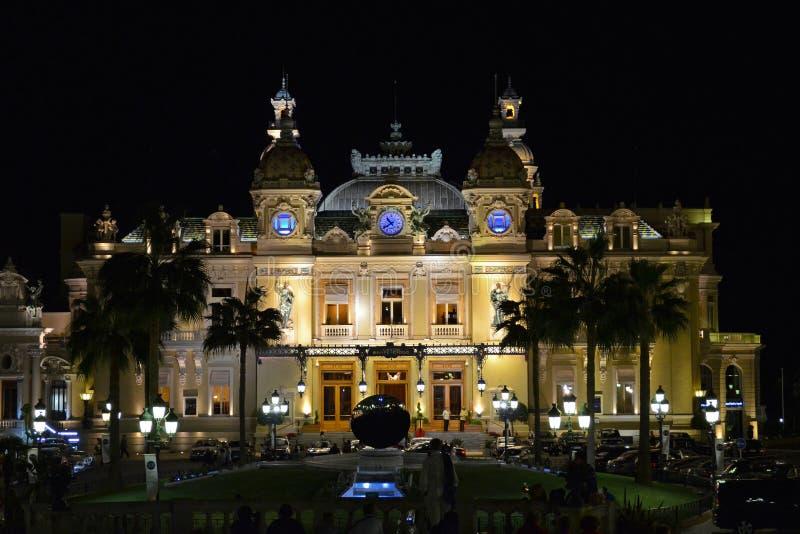 Casinò della Monaco entro la notte (casinò di Monte Carlo) immagini stock
