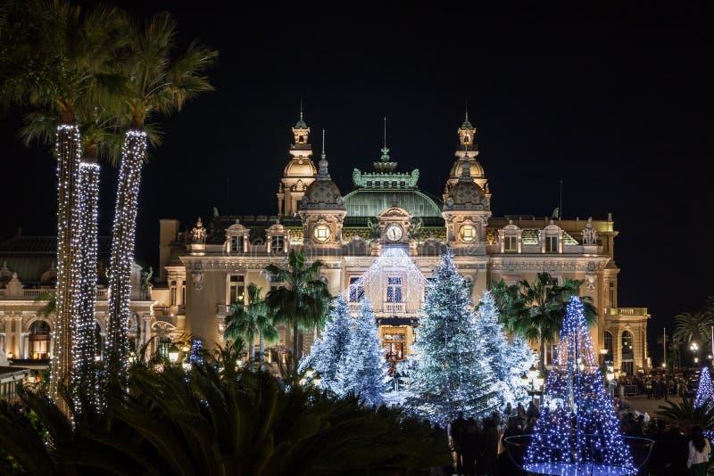 Casinò a Monte Carlo al Natale alla notte fotografia stock