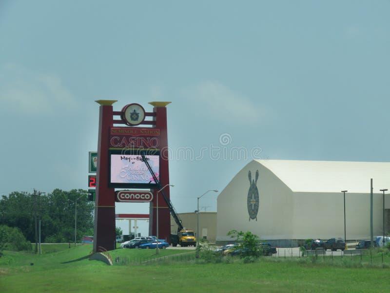 Casino avec le signe en construction dans l'Oklahoma photographie stock