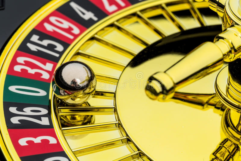 Casino de roulette jouant image stock