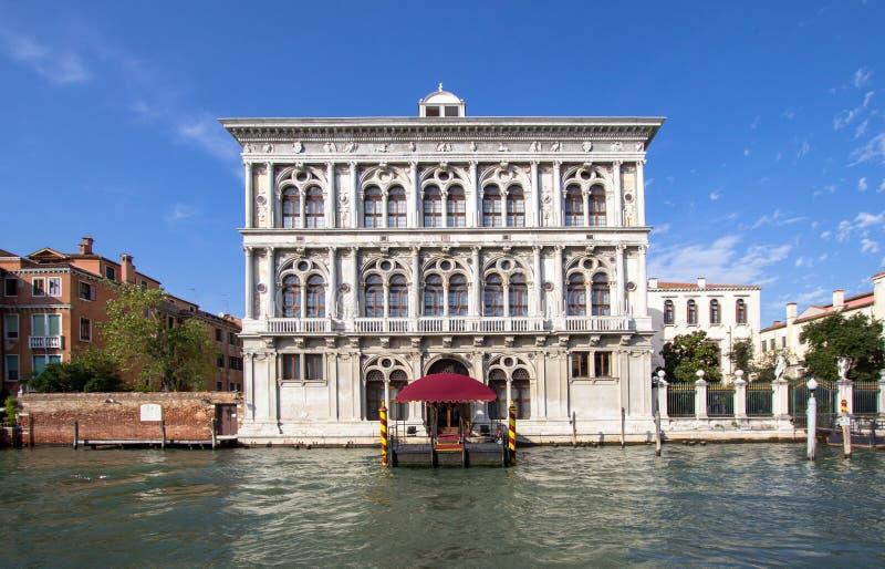 Download Casino Di Venezia stock afbeelding. Afbeelding bestaande uit centrum - 107701015