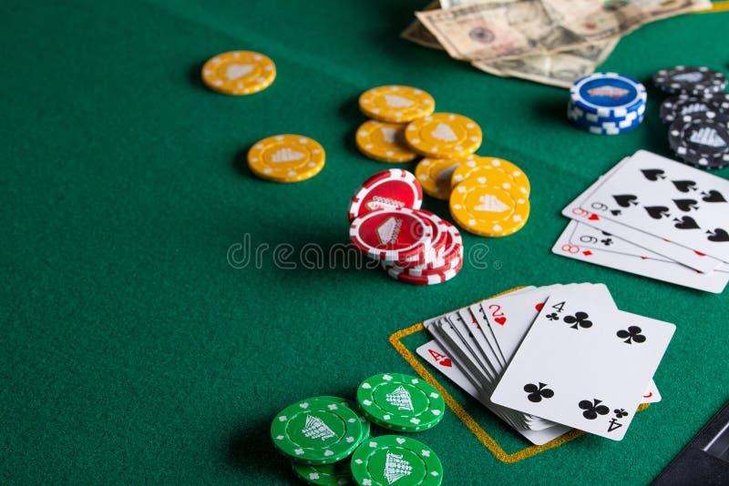 Онлайн лайф казино игровые автоматы медведь и пчела 2
