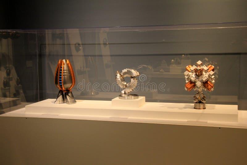 Caso de cristal grande con tres esculturas, museo de la industria, Maryland, 2017 de Baltimore imágenes de archivo libres de regalías