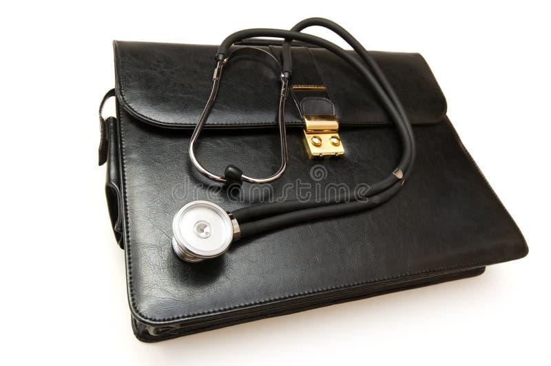 Caso dei medici con lo stetoscopio isolato fotografia stock