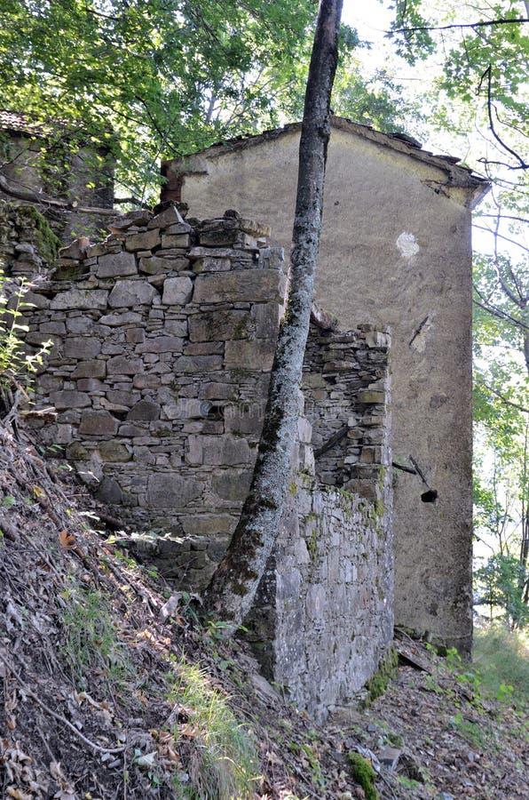 Casoni-Geisterstadt verlassen lizenzfreie stockfotografie