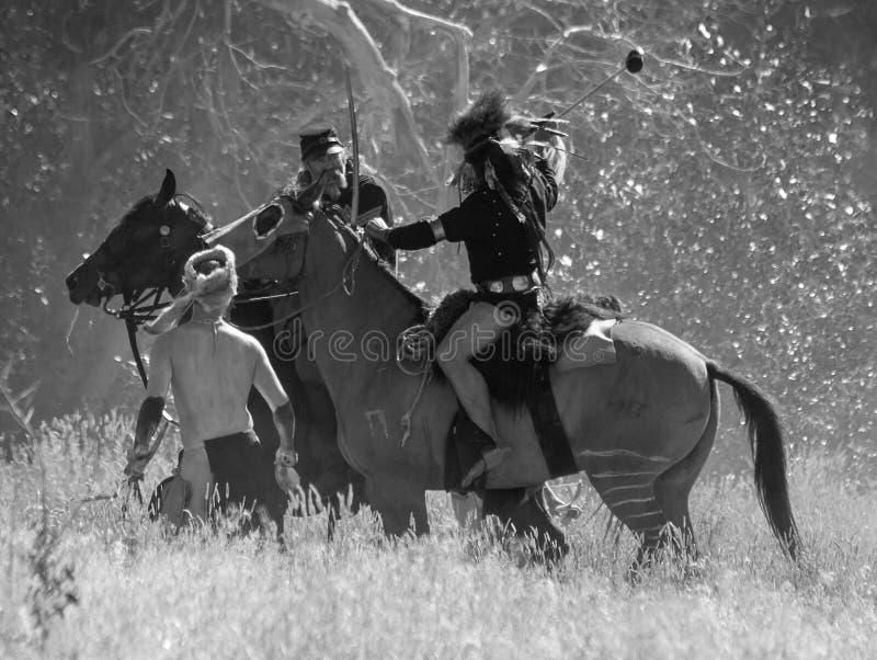 CASPER, WY__CIRCA JULIO 2015__Soldiers y reconstrucción de los indios en Casper, Wy circa julio de 2015 imagen de archivo