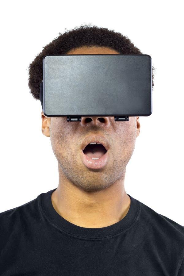 Casque de réalité virtuelle sur le mâle noir photo libre de droits