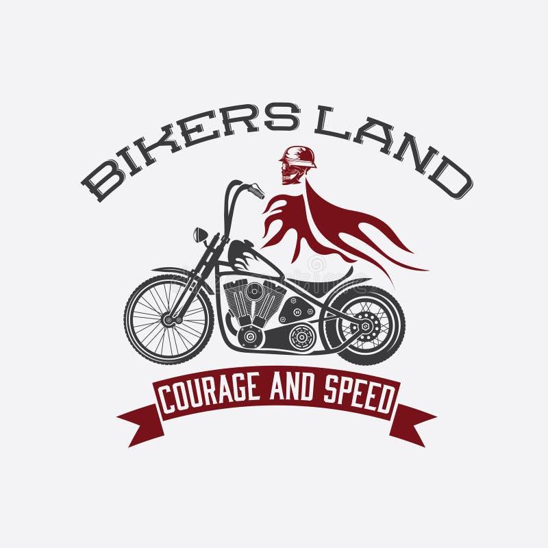 casque sur la motocyclette avec la conception t de vecteur de concept de flammes illustration de vecteur