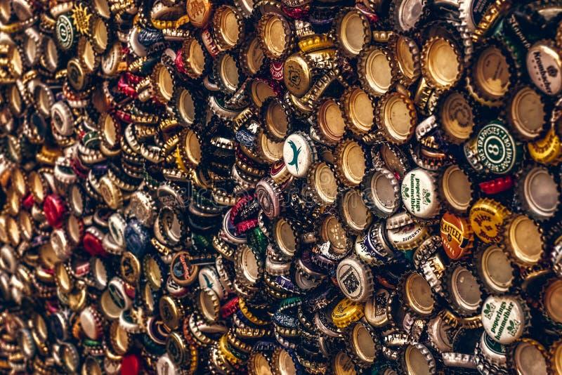 Casquillos de la botella de cerveza imágenes de archivo libres de regalías