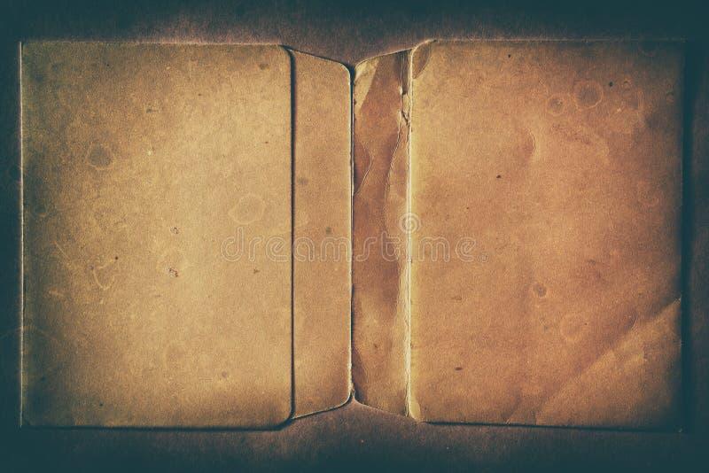 Cassa floscia vuota sporca della doppia pagina d'annata orizzontale immagine stock libera da diritti