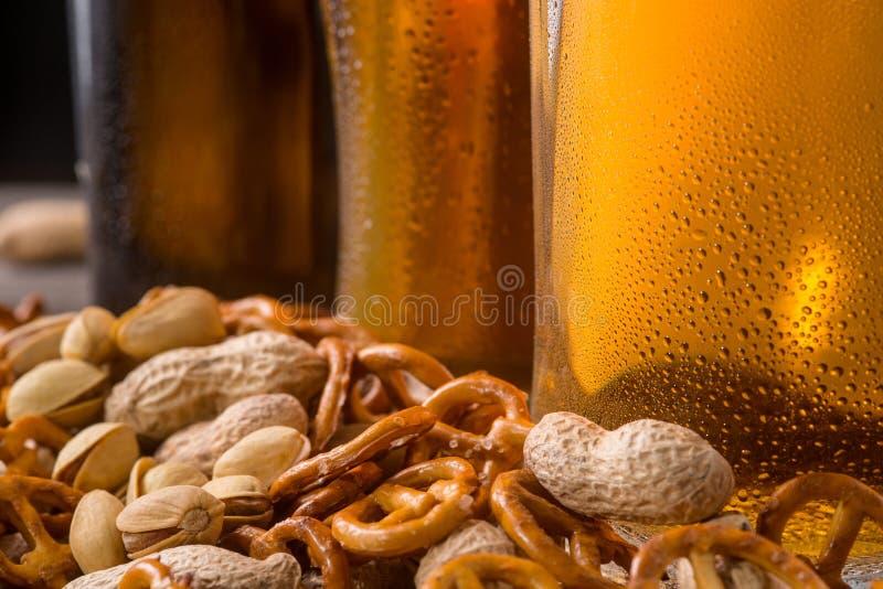 Casse-croûte délicieux pour la bière photo stock