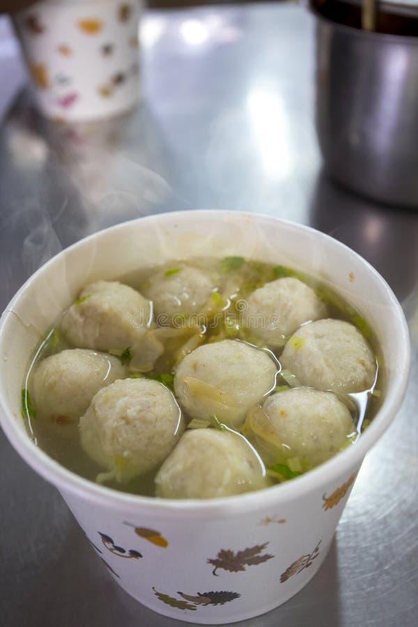 Casse-croûte de Taïwan, poudre d'hiver, soupe à boule de poissons, pélerin, soupe à boule de poissons, images libres de droits