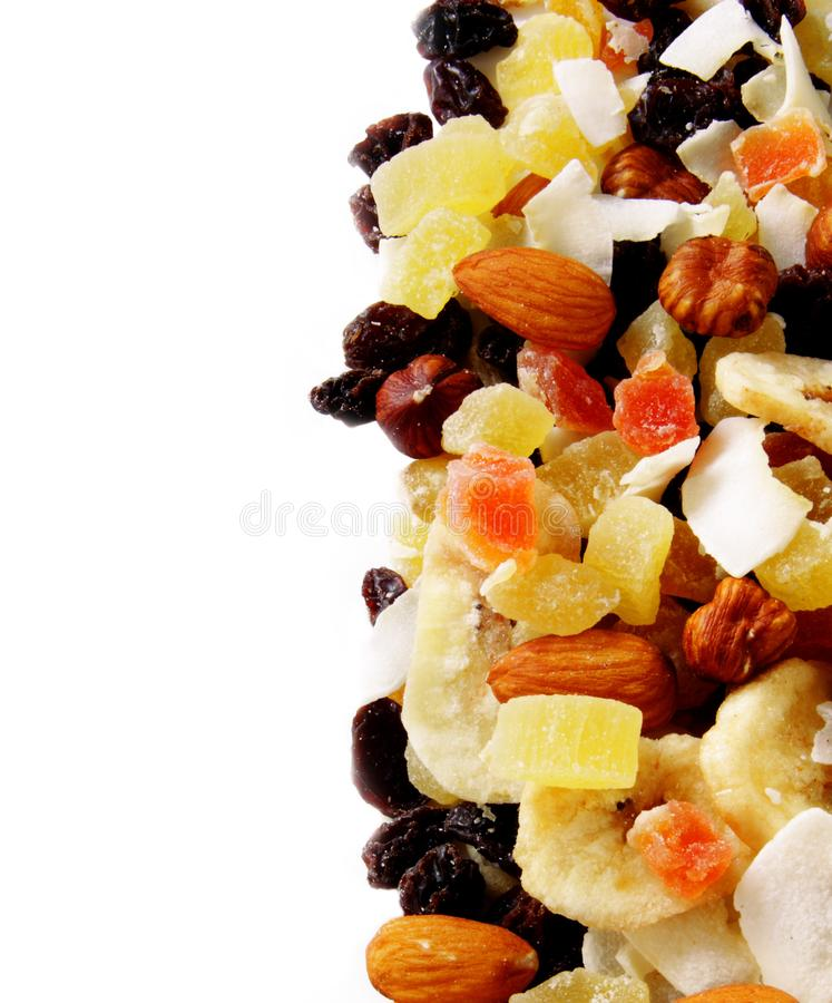 Casse-croûte, fruits et écrous sains photo stock