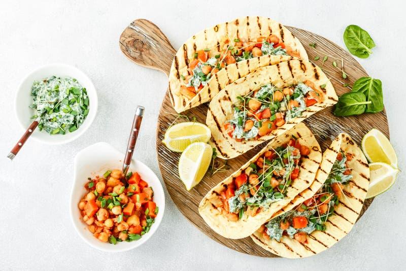 Casse-croûte végétarien de tacos images stock