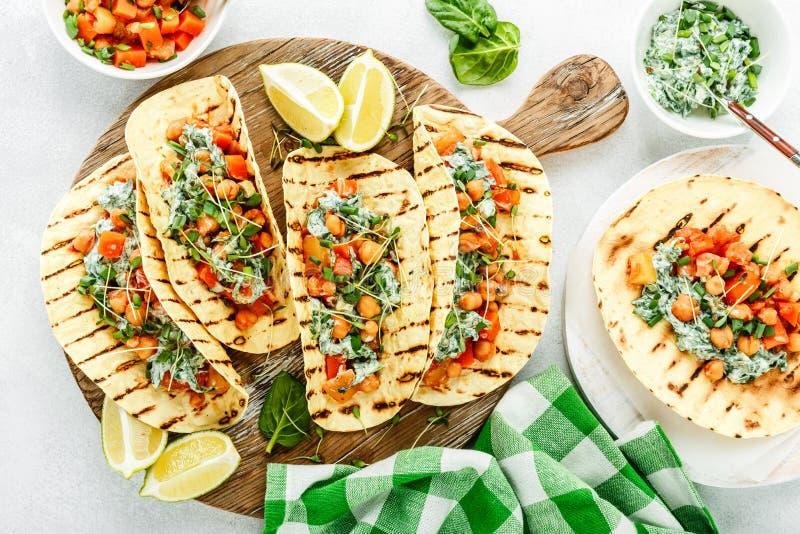 Casse-croûte végétarien de tacos image stock